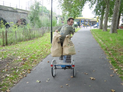 Compost transporting on a trike