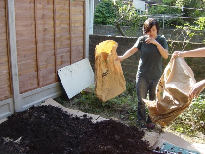 Mulching - The second compost layer