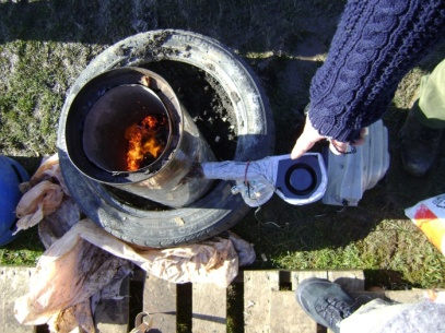 A top view of the smoke-free wood stove showing the fan induced vortex