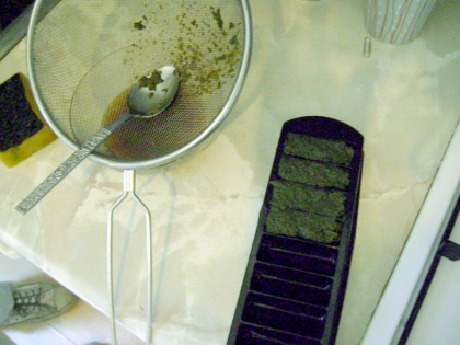Leaf curd in improvised mold